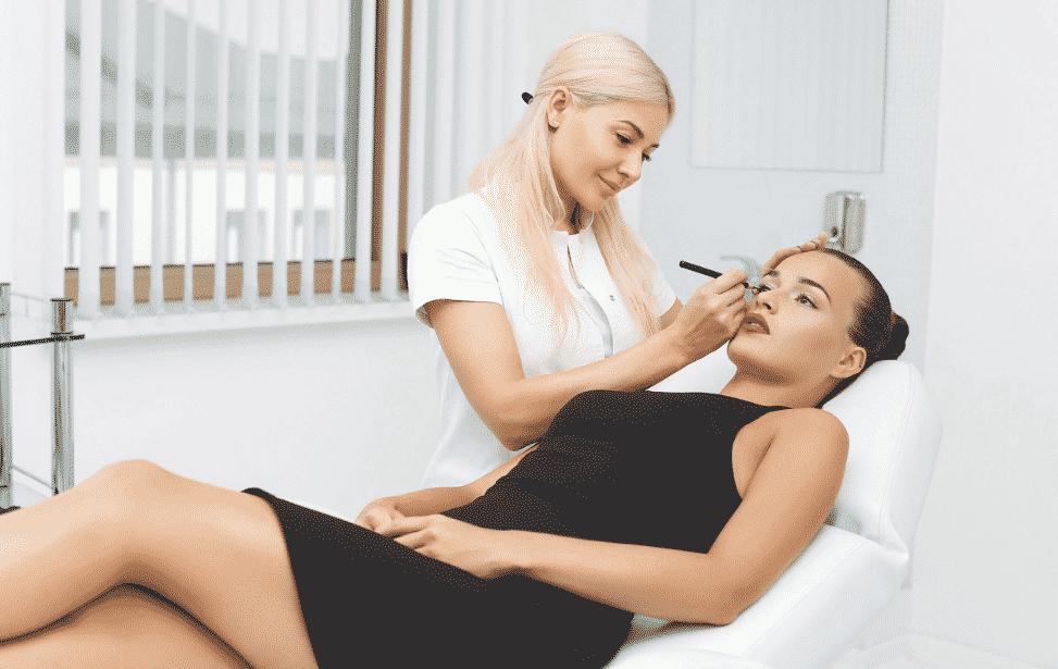 Maquillage permanent : un secteur porteur